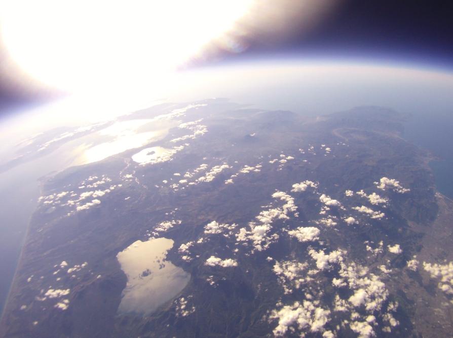 宇宙から羊蹄山や支笏湖を撮影
