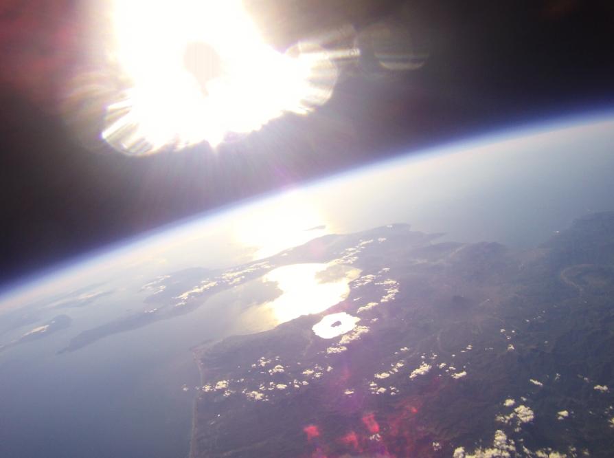 宇宙まで気球が上がった