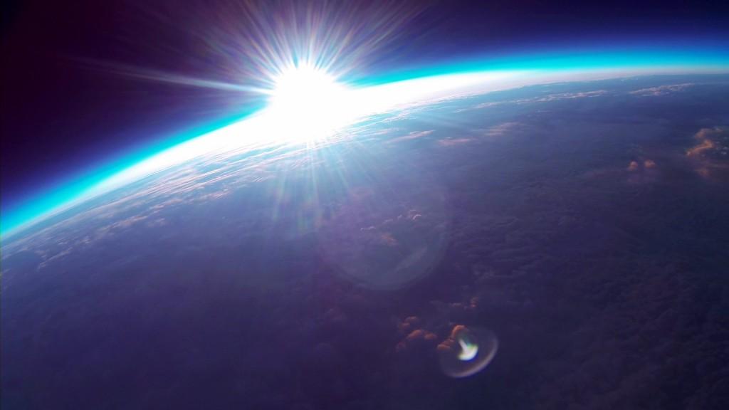 Goproで撮影した、上空から見た初日の出