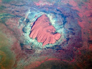 1280px-Uluru1_2003-11-21