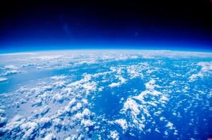 2016年秋バルーンより撮影した地球と宇宙